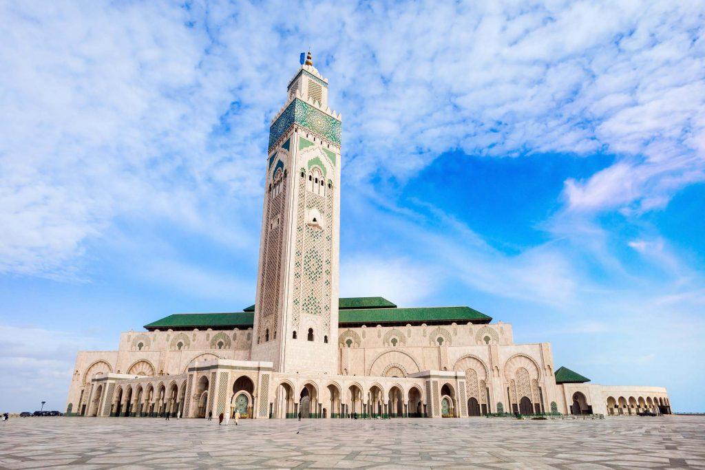مسجد حسن دوم در مراکش که موزاییک کاری معروفی دارد