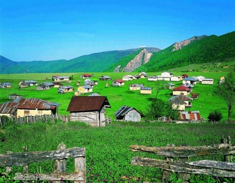 دهکده جهان نما گلستان ؛ مسیر، آب و هوا و دیدنیهای ییلاق بکر شمال