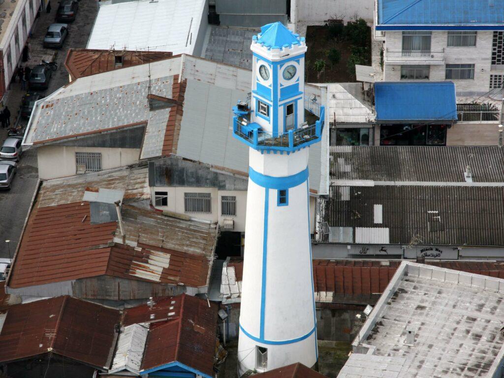 برج ساعت در میدان اصلی