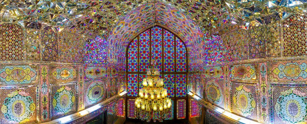 نمایی از داخل شاهچراغ شیراز