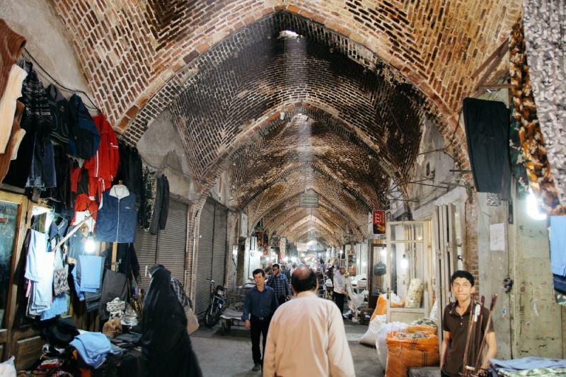 نشانههای آتشسوزی روی سقف بازار