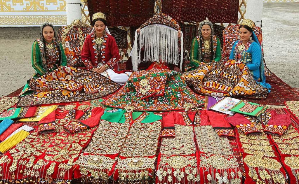 بازار ساحلی بندر ترکمن