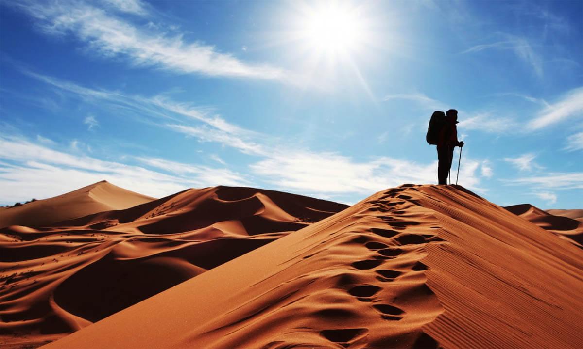 کمپ زدن در دل کویر مصر و راه رفتن روی رمل های شنی زیبایش