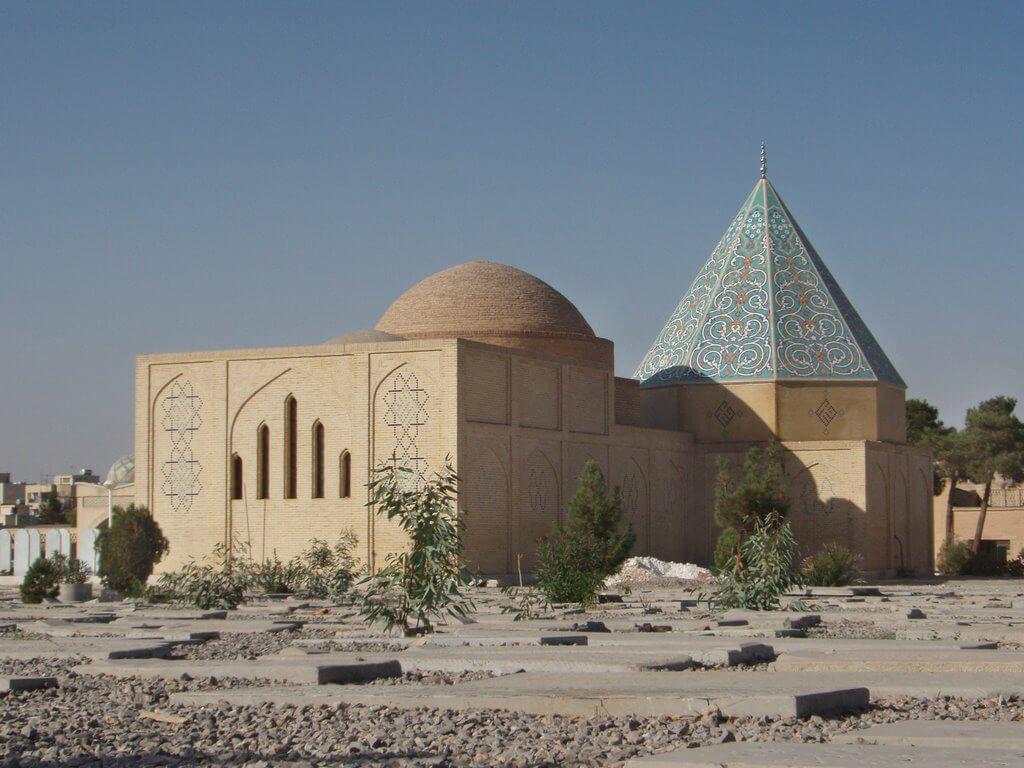 قبرستان تخت فولاد