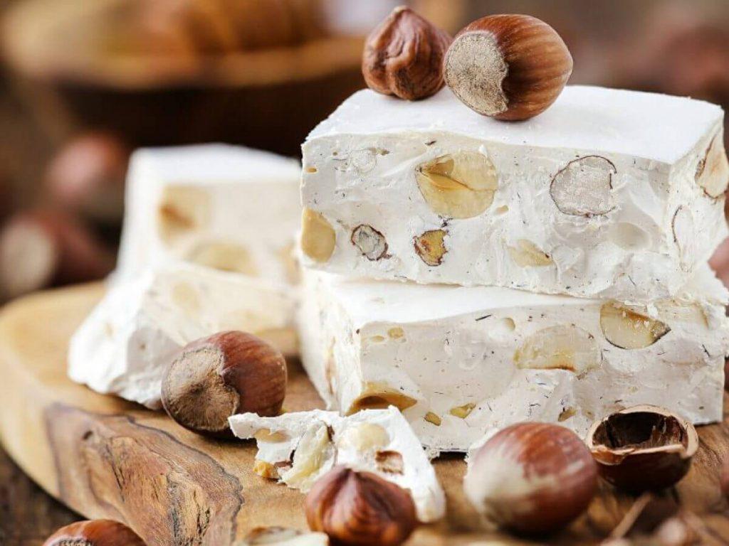 شیرینی نوقا از بهترین شیرینی های تبریز