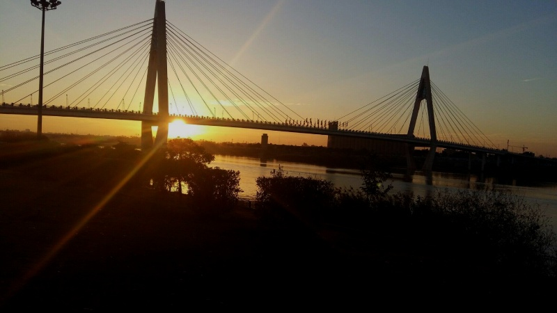 غروب آفتاب در کنار رود کارون اهواز