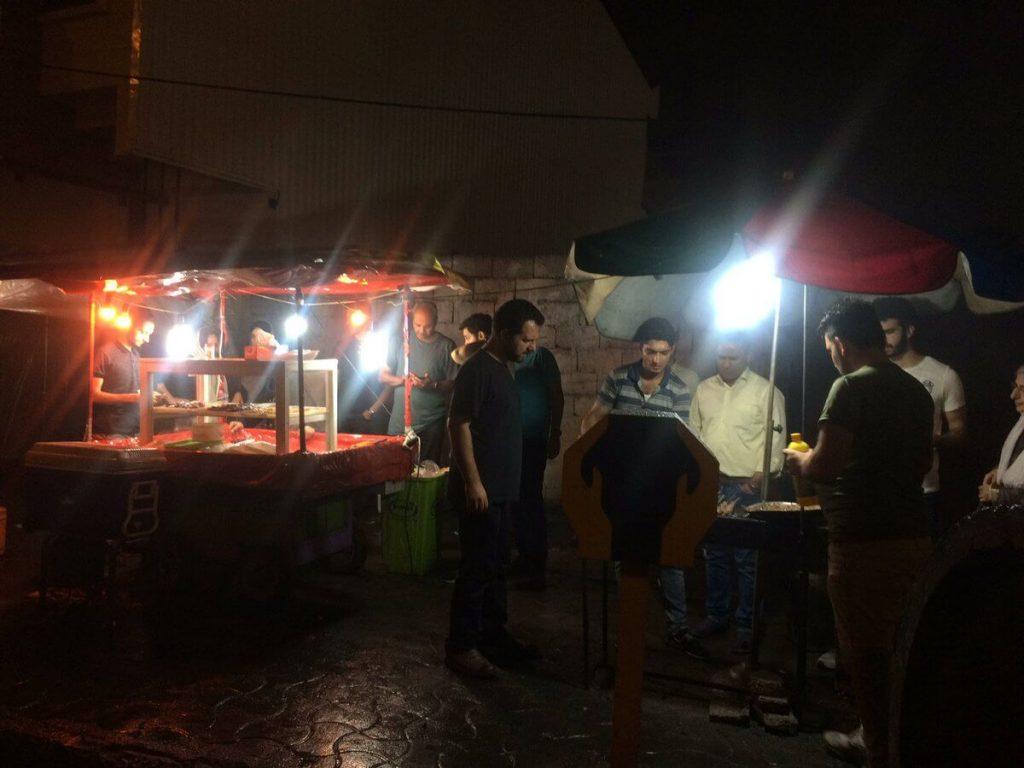 گاری کبابیهای رشت که بخشی از زندگی شبانه شهر هستند