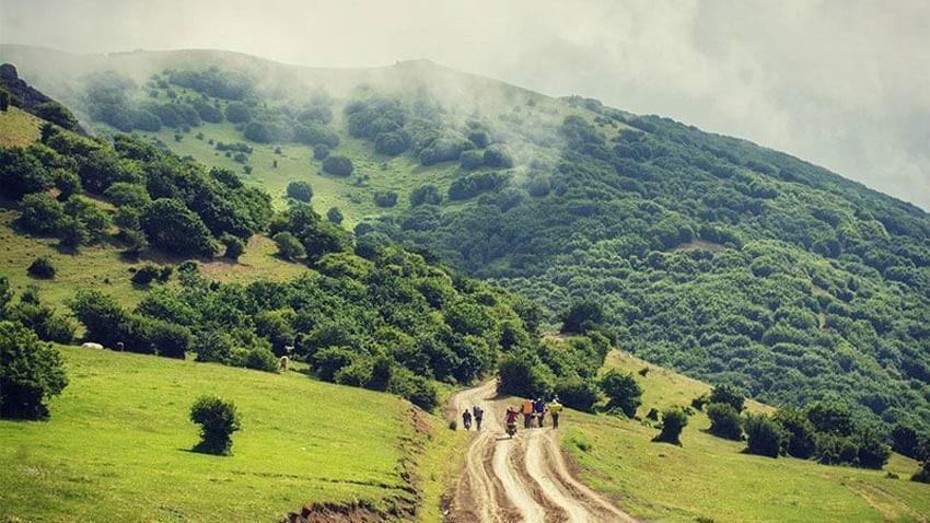 مسیر سرسبز و زیبای آبشار آستارا از روستای کوته کومه