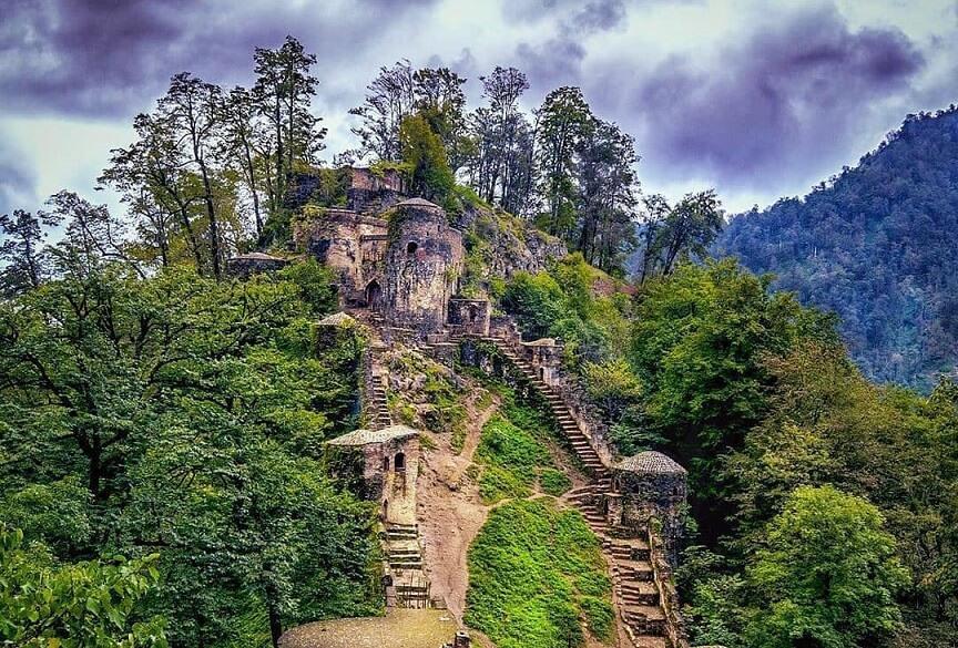 قلعه رودخان بالای ۱۶۲۰ عدد پله