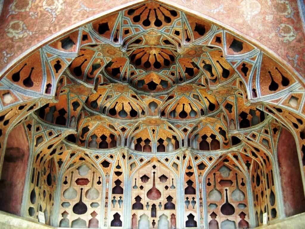 تالار موسیقی عالی قاپو اصفهان