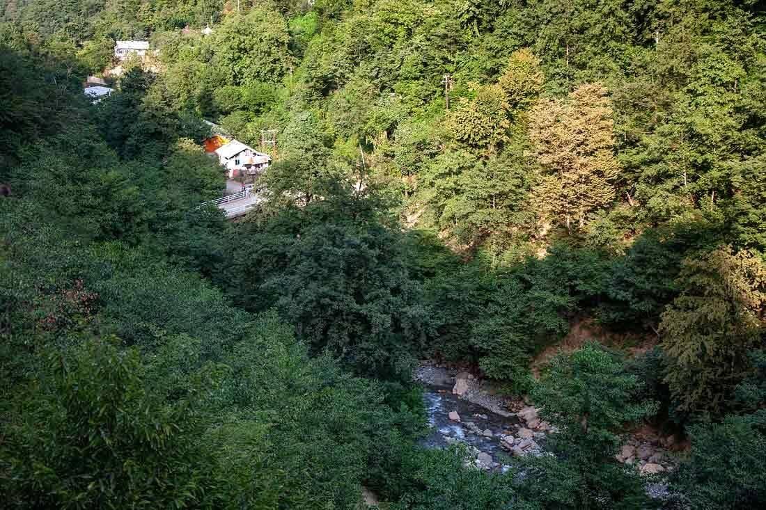 محل آبشار در روستای خرمکش