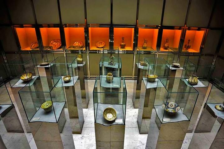 موزه آبگینه بهارستان تهران