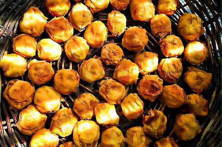 جوز قندی از سوغات اصفهان
