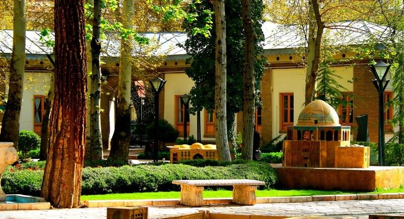 ماکت جاذبه های دیدنی ایران در باغ موزه هنر ایرانی