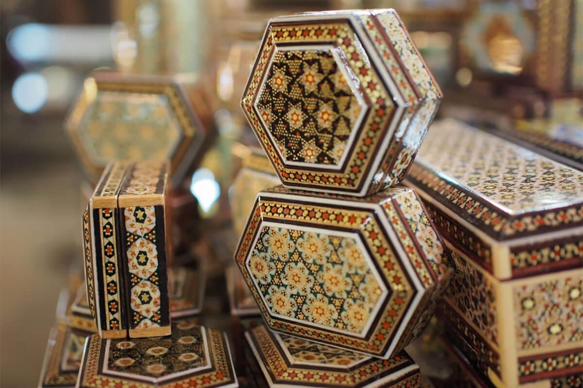 خاتم کاری یکی از سوغات ارشمند اصفهان