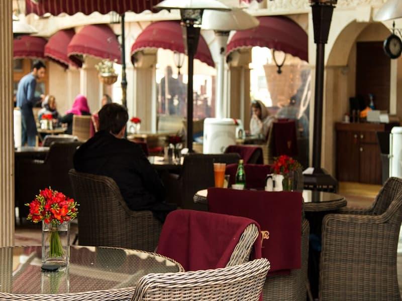 رستوران لئون؛ کافه رستورانی با تجربه و لوکس