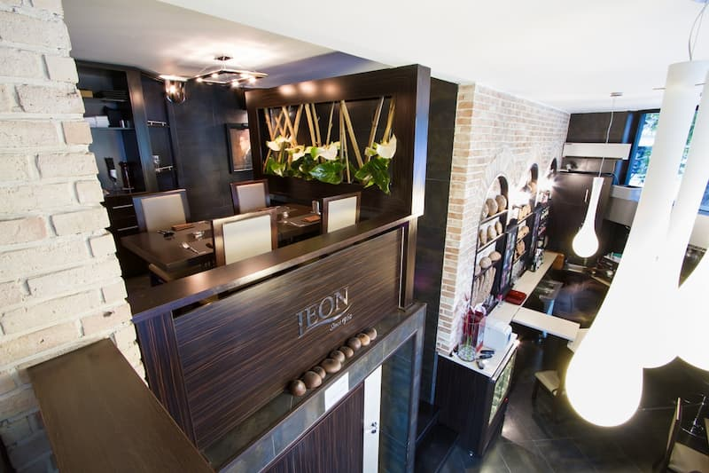 کافه رستوران لئون