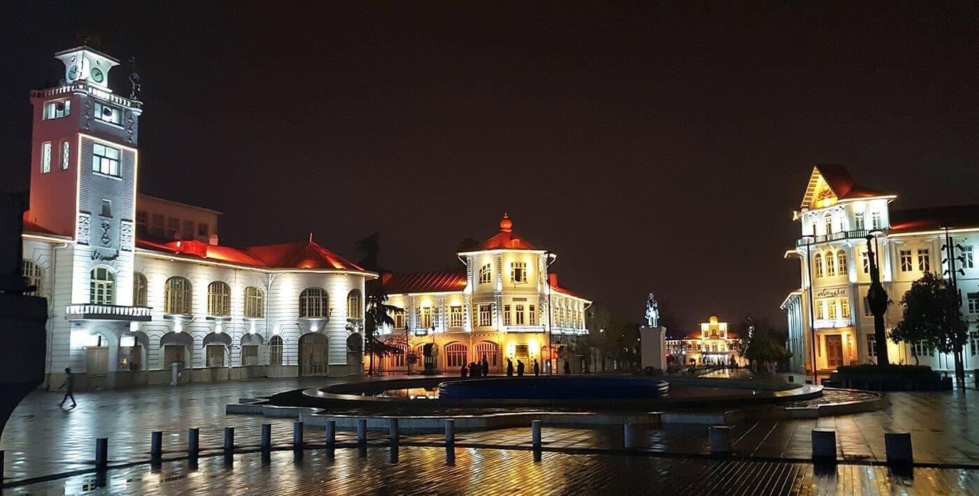 میدان شهرداری رشت؛ یکی از بهترین جاهای دیدنی رشت
