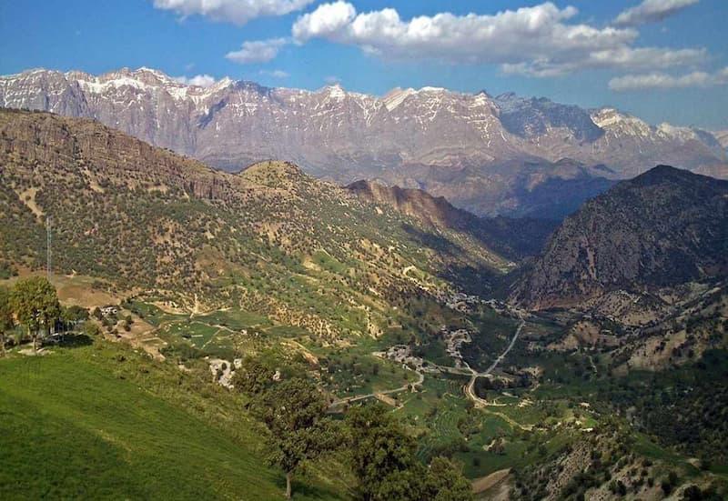 گردش و تفریح در پارک کوهستان در کرمانشاه