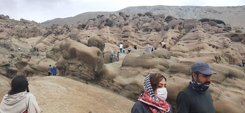کوه های سنگی وردیج در غرب تهران
