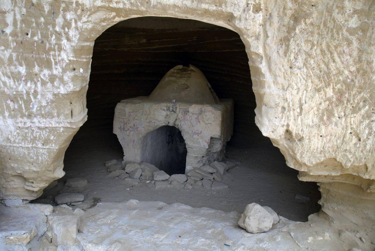 غارهای سه گانه تیس چابهار (معبد بان مسیتی)
